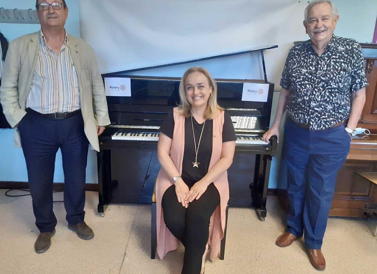 Rotary Malaga Piano